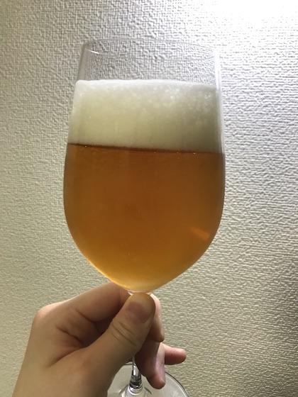 グラスに注いだクリスタルIPA